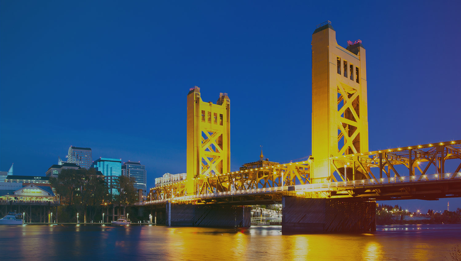 Sacramento's vibrant nightlife, restaurants,  and breweries are all nearby