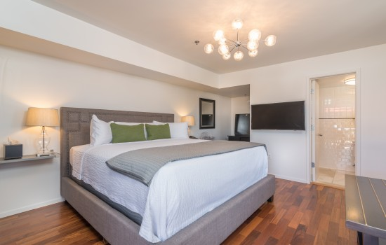 The Greens Hotel on Del Paso Blvd: Family Suite